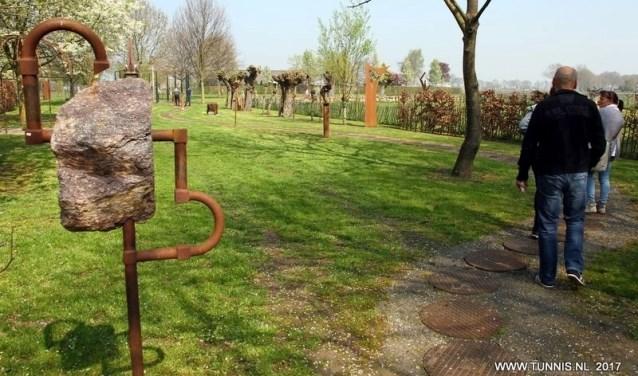 Ook de galerietuin van kunstsmid Juul Baltussen in Westerbeek is tijdens de Open Atelierroute geopend.