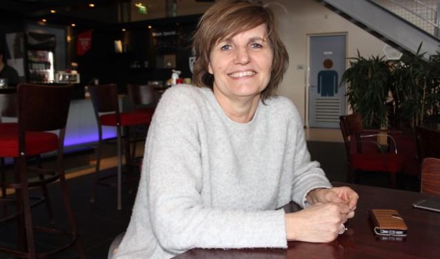 Voorzitter Betty van Zutphen van het 1 Ander Festival is al 21 jaar nauw betrokken bij het festival dat saat voor vrijheid, gelijkheid, tolerantie en duurzaamheid. Er wordt gezocht naar vrijwilligers voor de komende editie. foto Wendy van Lijssel