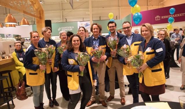 De enthousiaste hoekmannen en -vrouwen. Van links naar rechts: Jennifer Schuurman, Dicky Den Hollander, Hilde Fortes, Marjolein van Rietschoten, Marijke Ouwerkerk - Toor,  Mark de Jong, Maikel Ringe, Jos van 't Noordende en Ellen Posthoorn.