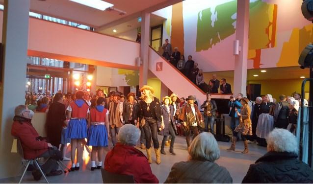 Het project 'Hallo Europa'werd door Interreg gesubsidieerd: grensoverschrijdende ontmoeting door middel van dans en muziek. Foto: Euregio