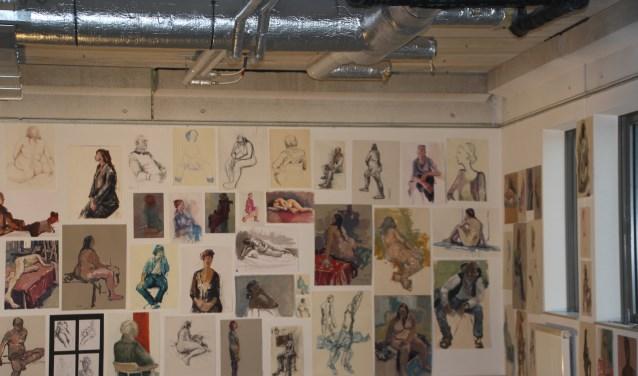 Een dertigtal modeltekeningen die momenteel in de Javatoren hangen worden op 25 maart geveild, de opbrengst gaat naar de Almeloopers