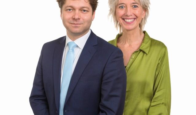 D66-lijsttrekker Tobias van Elferen en D66-raadslid Grete Visser.