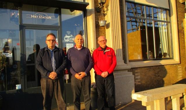 Kees Jansen, John Kouters en Wim Slootmaker verzorgen het inloophuis voor veteranen, zoals dat nu gehouden wordt in restauratie Het Station in Vlissingen.
