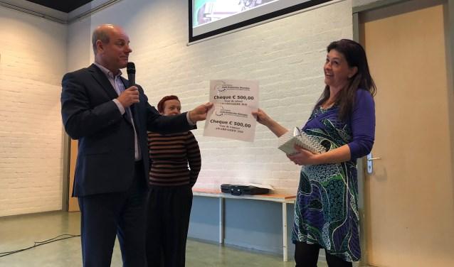 Sandra Schirm ontving de OZHW Award.