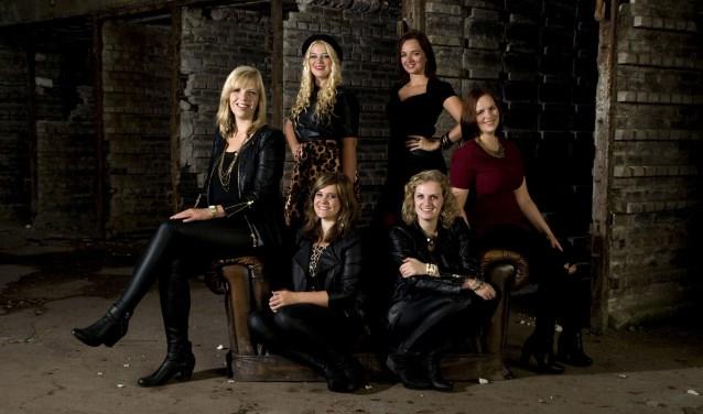 De band Rumor has it bestaat uit  Nienke Kreijkes, Daniëlle Krejenzang, Annemiek Lubbers, Jolinde Berns, Maartje Slot en Anneloes Brand.