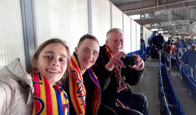 Djordi is helemaal idolaat van voetbal, vooral van FC Barcelona. Samen met wensvervuller Tessa en zijn voetbalmaat Rob is hij naar Barcelona gereisd.