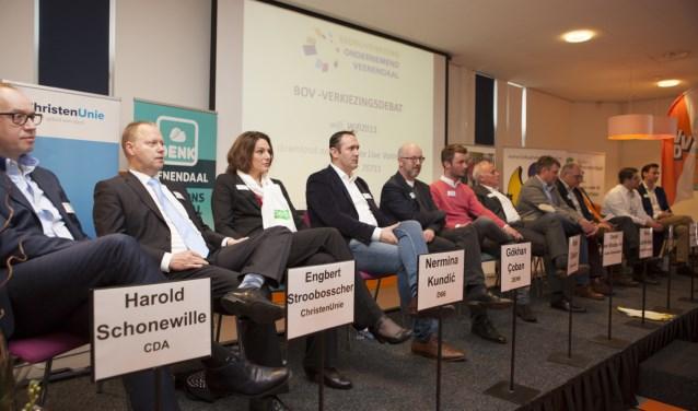 Twaalf lijsttrekkers uit Veenendaal debatteerden maandag onderling en met ondernemers over relevante ondernemersvraagstukken. (Foto: Jan-Fotografie)