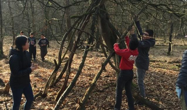 De boomfeestdag is uitgegroeid tot een evenement waar spelenderwijs leren over het belang van bomen en plezier voorop staat.