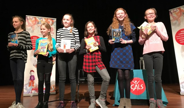 Dit zijn de finalisten die streden om het kampioenschap. Tweede van rechts is Sophie.