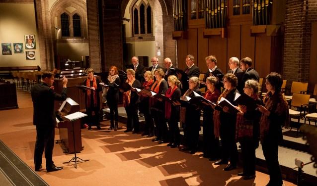 Kamerkoor Zuid verzorgt 'n Goede Vrijdag-concert in de kapel van Park Zuiderhout. FOTO: ADRIAAN RAESEN