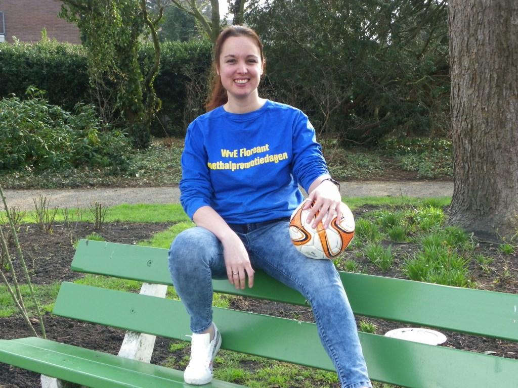 Melanie van Egmond zet zich in voor de wens van haar overleden schoonvader Wim van Egmond. De WvE Voetbalpromotiedagen vinden plaats van 30 april t/m 2 mei.
