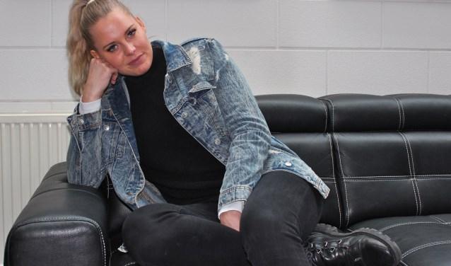 Terry Groenen deed als kandidaat mee aan het programma Curvy Supermodel en gaat zich nu hard maken voor maatje 38/40. FOTO: Els van Stratum