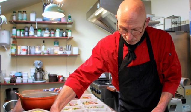 Chris maakt een heerlijke, gezonde en vooral gevarieerde maaltijd.
