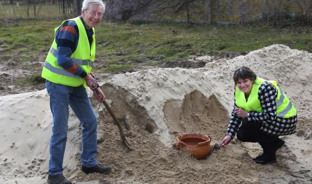 Graven naar bijzondere vondsten kan binnenkort in de archeologische tuin (Foto Marco van den Broek).