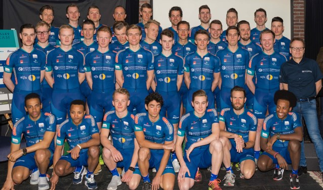 Het Dutch Food Valley Cycling Team (foto: Marijn Vink)