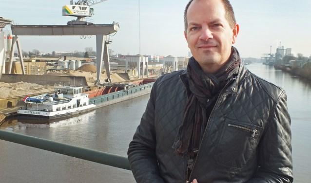 """Marc ten Barge: """"Water staat voor verbinding en het is tevens een levensader, ook voor Hengelo. De haven is letterlijk een bron van energie voor de stad, ondernemerschap en avontuur komen er bij elkaar."""""""