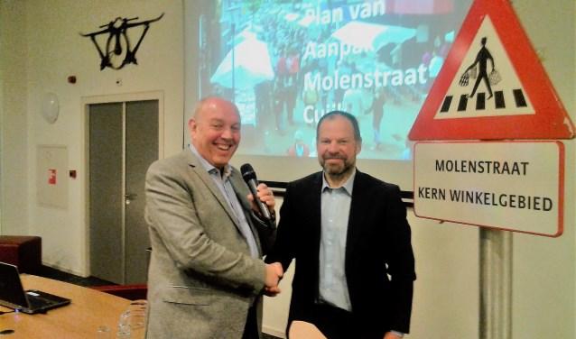 Voorzitter Jozèf Rutten en wethouder Jos Nielen (CDA). (foto: Jos Janssen)