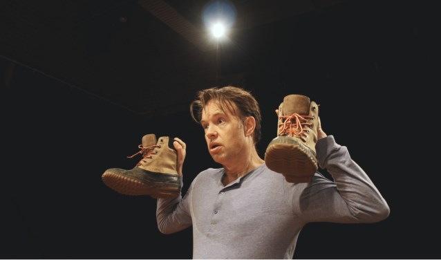 Scène uit 'Nieuwkomers' van Theatergroep Greppel. (Foto Maarten van Vliet)