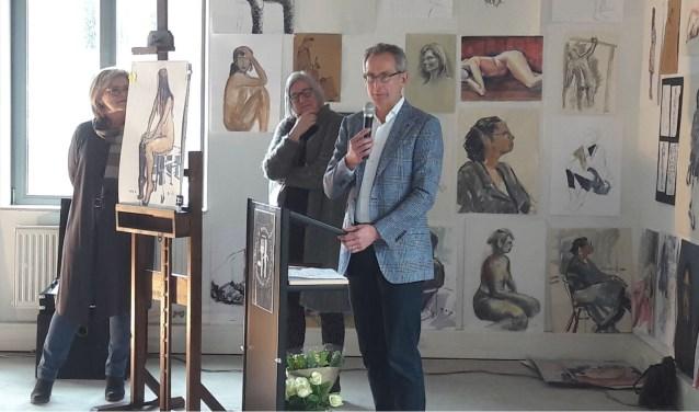 Ben Kamphuis van de Almeloopers hield voorafgaand aan de veiling een toespraakje over de Almeloopers en hun deelname aan de Roparun