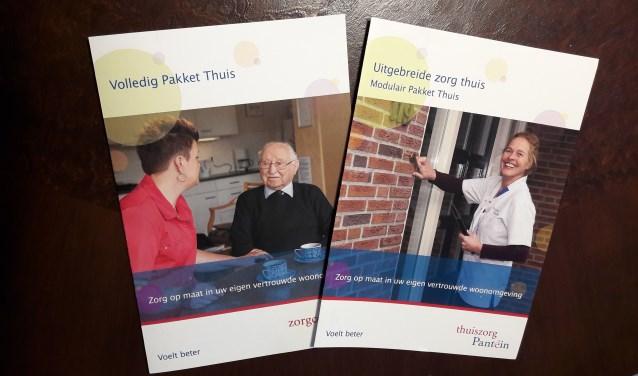 De twee folders die Pantein uitgeeft voor de oudere bewoners van het land van Cuijk. (foto: eigen foto)