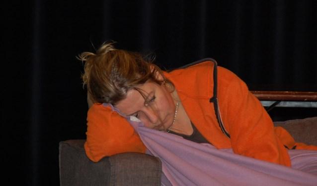 Christel Brans ontroert in haar rol als verlaten partner in 'Scheidziek' van Thenckater. Te zien in De Enck op 6 en 7 april, aanvang 20.15 uur, kaarten à 12,50 via: www.deenck.nl.