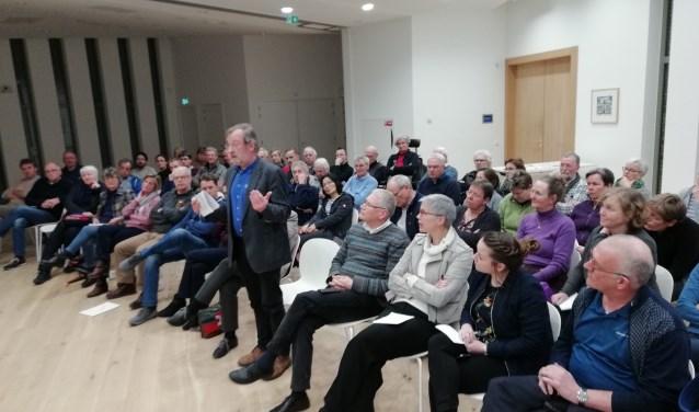 Bewoners van NoordWest op de informatieavond van de provincie.