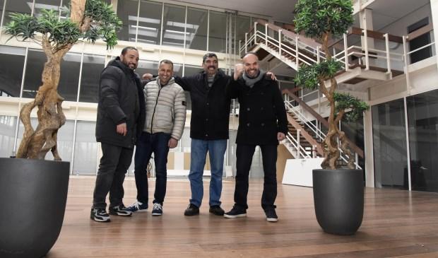 Leden van bestuur en werkgroep MIV Assalam. Foto: Marianka Peters