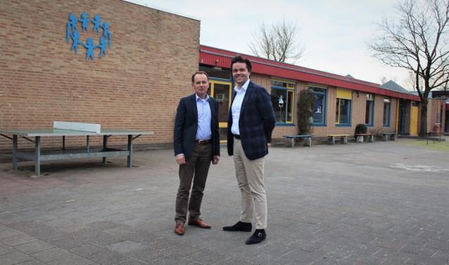 Leen van der Maas en Lambert van de Weerd voor de Da Costa school in Elspeet.