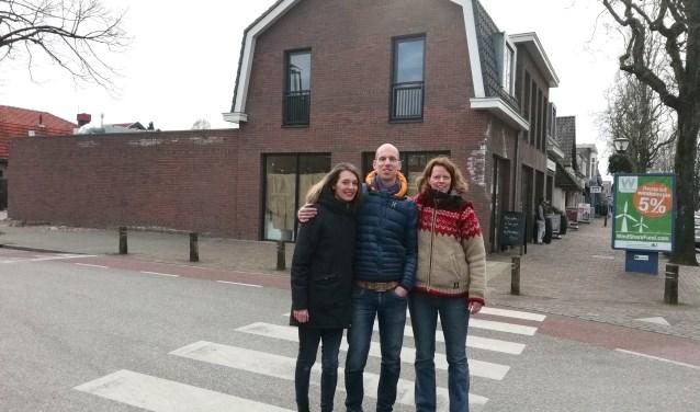 De Huiskamer op de Traaij in Driebergen heeft haar deuren geopend.Frouke, Kim en Emiel zijn de eigenaren. FOTO: Marcel Bos