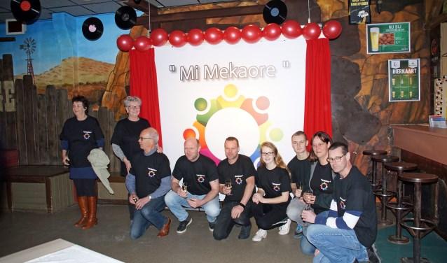 De vrijwilligers ging ook creatief met het concept aan de slag en ontworpen de naam en logo van het project 'Mi Mekoare', Flakkees voor 'met elkaar'. FOTO'S: Maria Evers