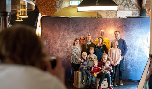 Een van de vele verrassingen die de familie Van der Schaaf aangeboden kreeg op de Opkikkerdag was een professionele fotoshoot!