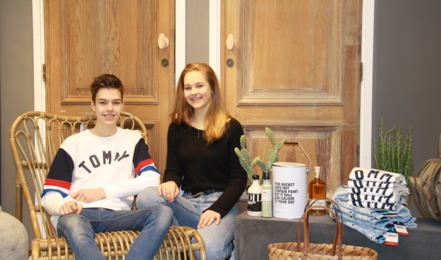 Maxim en Isabeau Zents zijn trots op 'hun' nieuwe winkels die deze weken open gaan. (foto: Kees Stap)