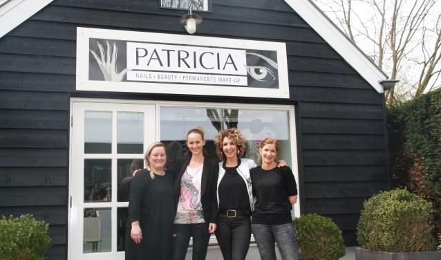 Het team van Patricia Nails &  Beauty combineert vakmanschap met gezelligheid. (foto: Kees Stap)