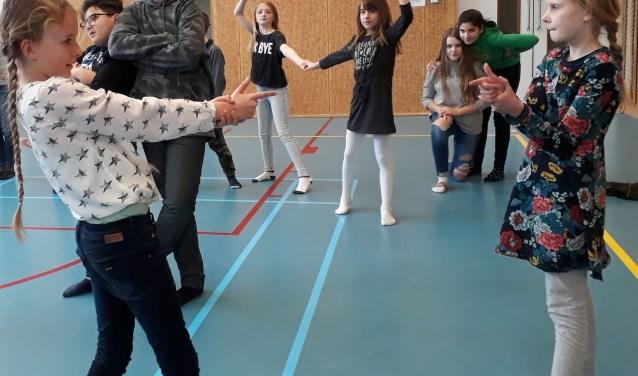 Het project zorgt voor een actieve kennismaking met dans en is een duidelijke stimulans voor het dansonderwijs.