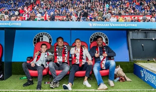 Michel zit tweede van links. (Foto: Pro Shots)