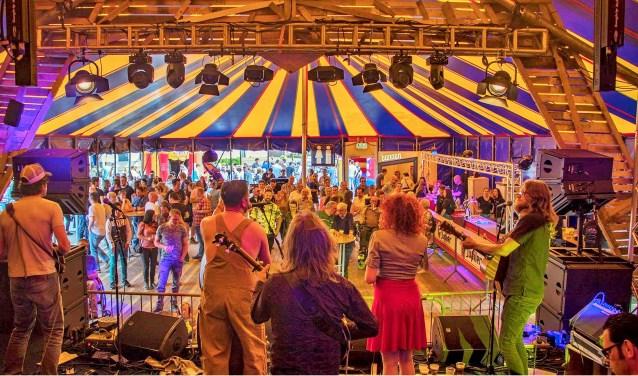 Het Splinterfestival was 35 jaar lang een vast gegeven op het Doornboomplein in Middelbeers. Het eigenzinnige, kleine festival dreigt nu echter te verdwijnen.