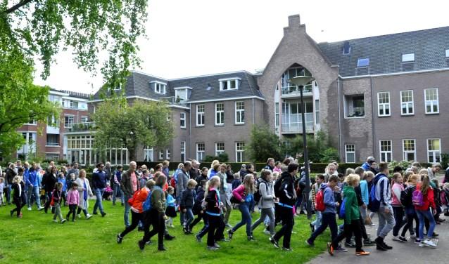 Op maandag 4 juni start de zestigste editie van de Didamse Avondvierdaagse. De voorinschrijving is vanaf nu geopend. (foto: Piet Tromp)