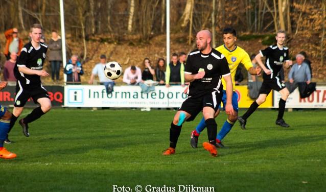 Een foto van de kraker tussen plaatsgenoten Hattem en Hatto-Heim. De wedstrijd eindigde in 0-3. Foto: Gradus Dijkman