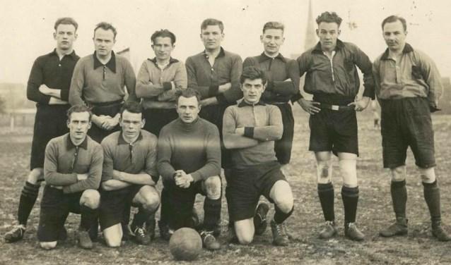 Het voetbalelftal van RSC Alliance in 1931