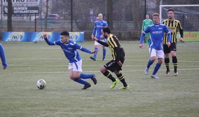 De Merino's in de aanval tegen vv WNC. De Veenendaalse 1e klasser nam een punt mee naar Veenendaal. De wedstrijd eindigde in een 3-3 gelijkspel. (Foto: Henk Jansen)