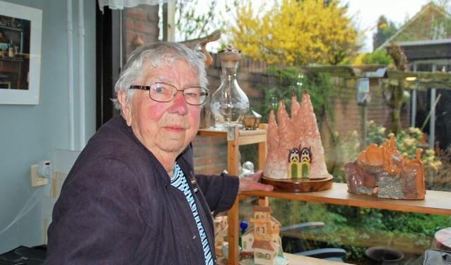 Els Schultheiss doet al decennialang mee met de jaarlijkse Expositie Amateurkunst Oirschot. Ze is een van de 26 deelnemers. Bij deze editie, tot en met 6 mei, toont ze in de musea Kruysenhuis en De Vier Quartieren weer haar fraaie keramiekkunst.