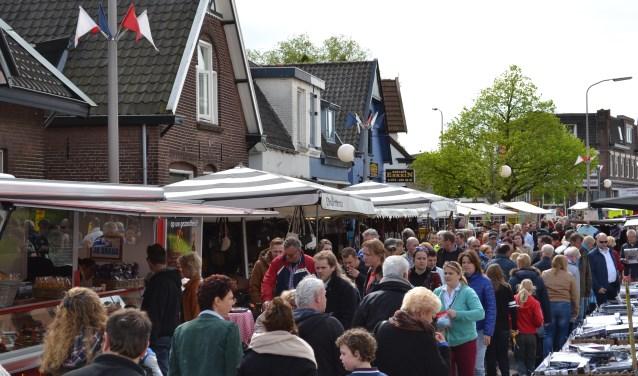 De Esreinmarkt trekt altijd ontzettend veel bezoekers.