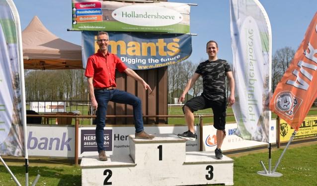 Hans v Limpt(l) en Peter Roest willen podium behouden met kunststofbaan in Reusel. Foto: Jan Wijten