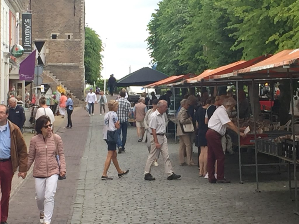 Boekenmarkt Willemstad Foto: Boekhandel Louis Tinner © Persgroep