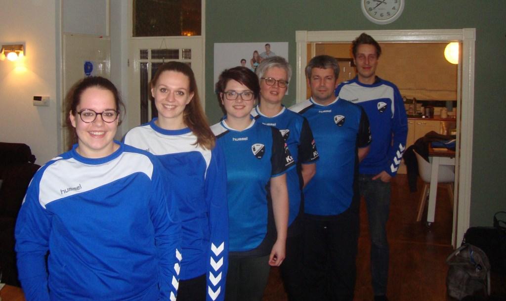 De familie Van Blijderveen. Van links naar rechts: Eva, Sonja, Lisa, Suzanne, Wim en schoonzoon Sander.