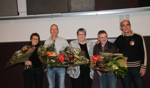 Van links naar rechts: vrouw van Theo Coenders, Nico Barten, Elly Nielen, Martien Wagelmans en Theo Coenders.