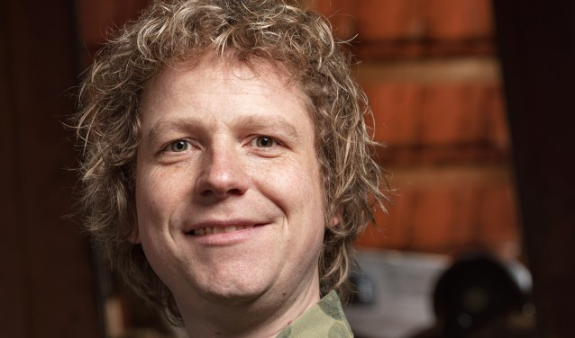 In de nieuwe show 'Bonje' gaat Thijs Kemperink aan de haal metde ruzie met zijn allerbeste vriend.