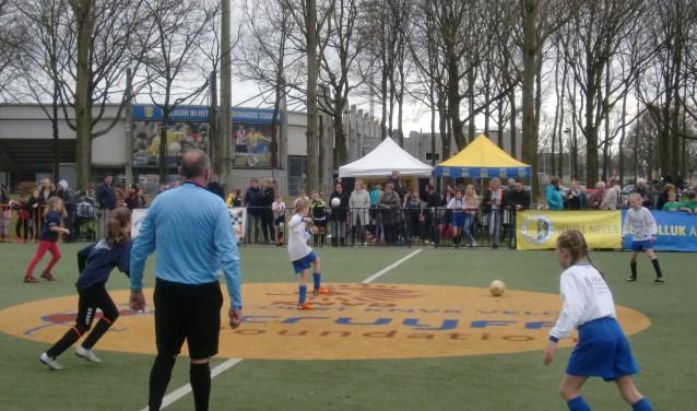 Op woensdagmiddag 4 april werden de stadskampioenen van Waalwijk gehuldigd.