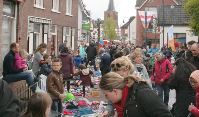 Reserveer op 18 april een plekje voor de kindervlooienmarkt op Koningsdag in Bennekom.