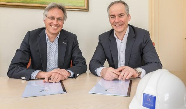 Op donderdag 29 maart ondertekenden wethouder Hans Mieras en namens de eigenaar van de Kwinkelier de heer Hedde Stegenga, de anterieure overeenkomst. Foto: Hans Lebbe